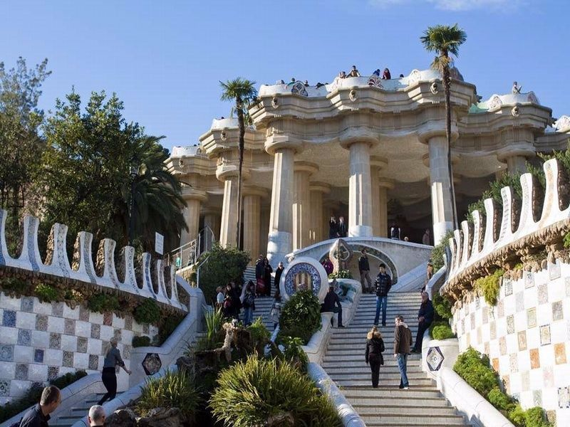 5 Reasons To Visit Park Guell In Barcelona Holidays